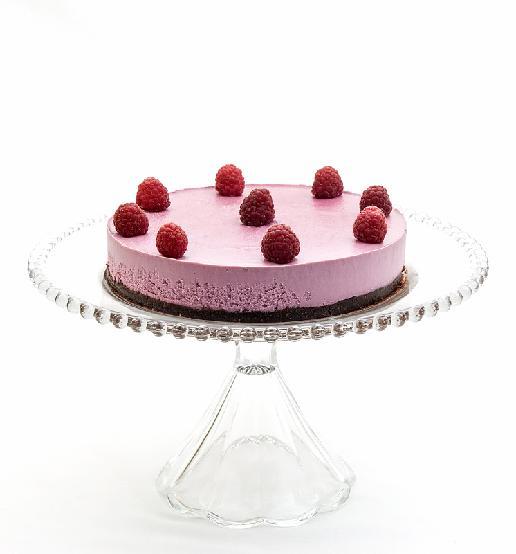Raw raspberry cake front