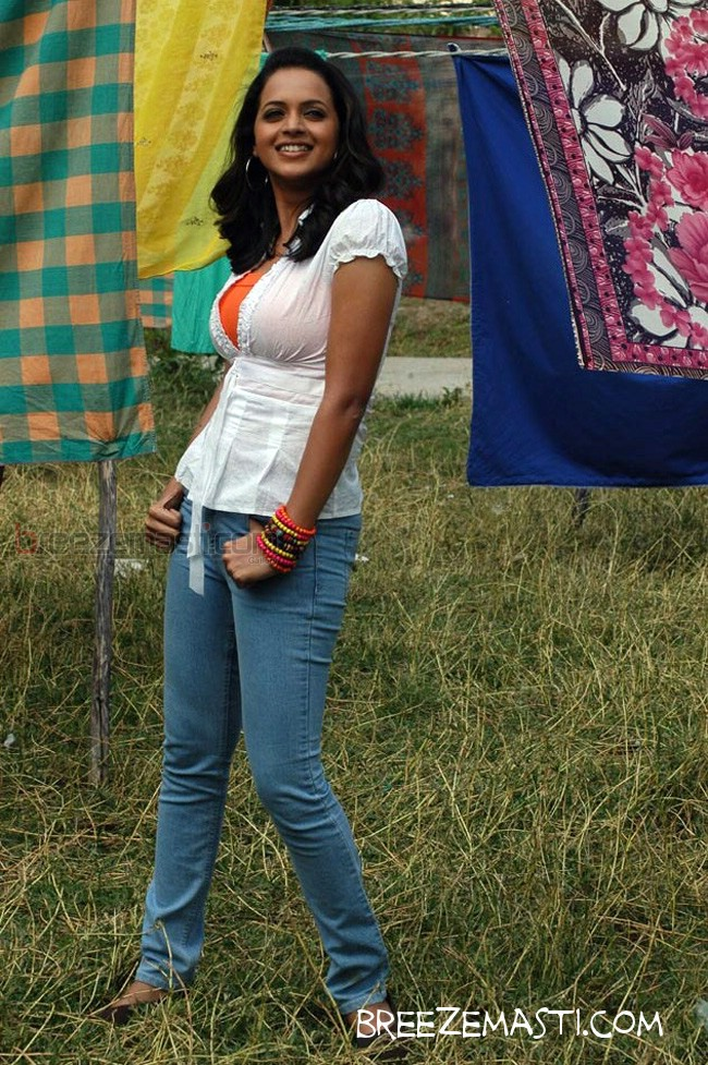 Malayalam actress Bhavana latest hot photos from Angry Babies In Love ...