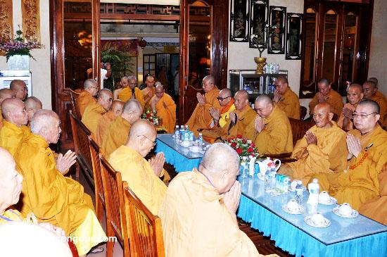 Cung tiễn Trà tỳ Kim Quan Cố HT - Thích Giác Dũng - voluongcongduc.com -02