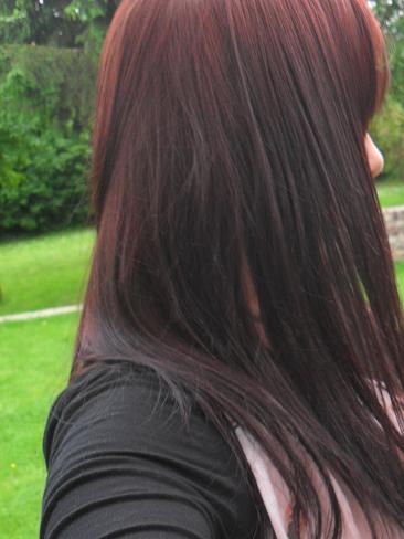 Couleur brownie sur cheveux rouge