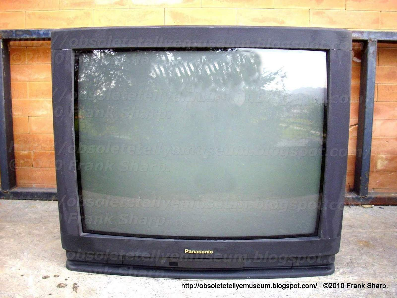 Obsolete Technology Tellye Panasonic Tx 25a3c Year 1994