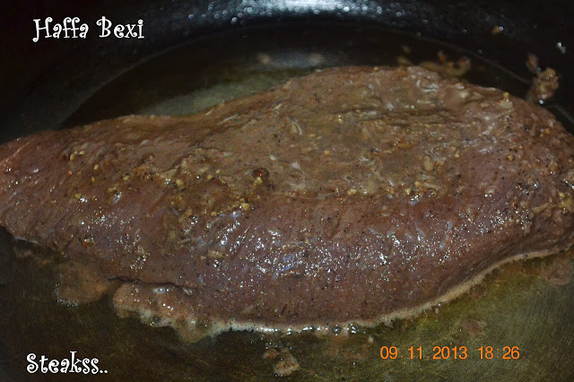 Meat, Snacks, Beef, Beef Steaks, Fried Vegetables, marinated beef, loin, ribs, steaks, salads, grill, bake, pan fry steaks, Steak frites, Popular recipe steak, Best steak recipe