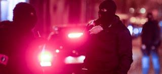 ΝΥΧΤΑ ΤΡΟΜΟΥ ΣΤΙΣ ΒΡΥΞΕΛΛΕΣ! Δεκάδες επιχειρήσεις της αντιτρομοκρατικής – 16 συλλήψεις υπόπτων για συμμετοχή στο μακελειό του Παρισιού (ΦΩΤΟΓΡΑΦΙΕΣ)