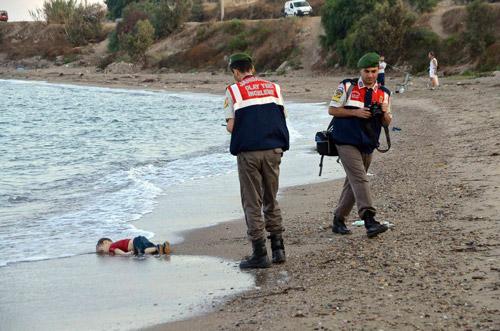 Niño muerto en las costas de Turquía