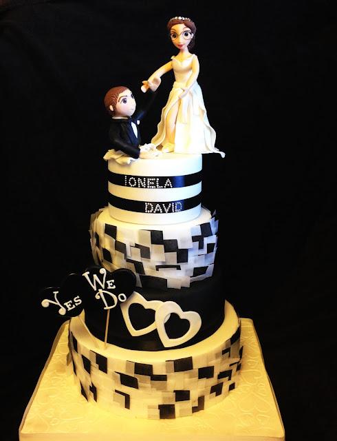 tarta, fondant; tarta novios; tarta pedida; sorpresa; boda; blanco y negro; celebracion