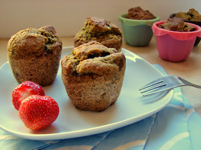 zdrowe śniadanie, muffinki, truskawki