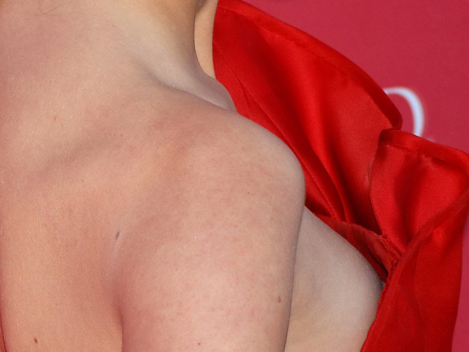 Top Celebrity Nude Taylor Swift Nip Slip