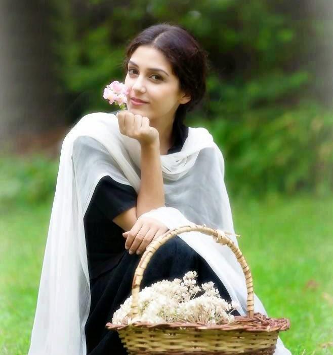 Maya Ali HD Wallpapers Free Download