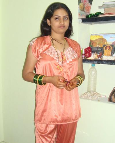 Hot In Saree Mallu Bedroom