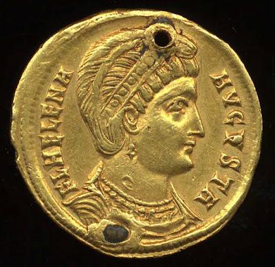 Η Αγία Ελένη σε ρωμαϊκό χρυσό σόλιδο. Η επιγραφή (κυκλοτερώς): FL(AVIA) HELENA AVGUSTA. Οι οπές στο νόμισμα δείχνουν ότι αποθησαυριζόταν ως κόσμημα ή ως φυλαχτό.