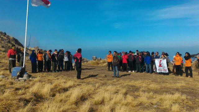 Keren! UKM PRC Peringati Hari Sumpah Pemuda di Puncak Bawakaraeng