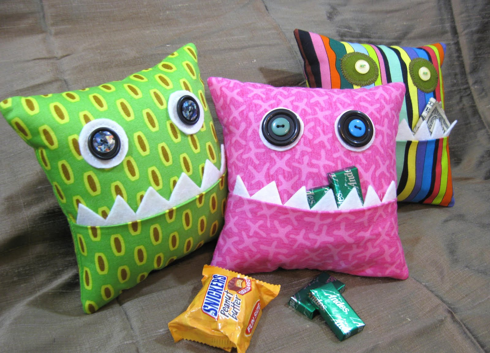 Cute Monster Pillow : Leslie s Art and Sew: Hungry, Hungry Monster