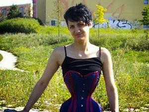 Thumbnail image for Gadis Ini Memakai Korset Lebih 3 Tahun Untuk Menang Anugerah (35 Gambar)