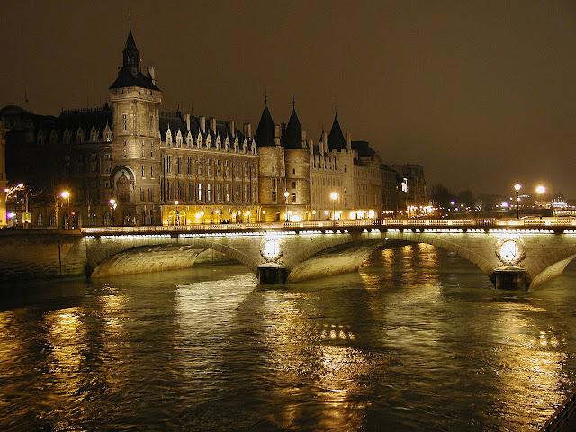 ve may bay di paris - Paris lãng mạn bên dòng sông Seine
