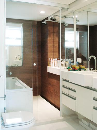 20 banheiros decorados com revestimento que imita madeira  Decor Alternativa -> Decoracao De Banheiro Com Porcelanato Que Imita Madeira