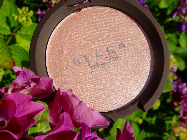 Becca Cosmetics, Jaclyn Hill Champagne Pop Shimmering Skin Perfector Pressed