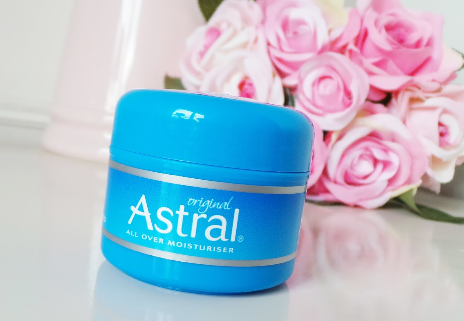 astral original moisturiser, astral all over original moisturiser, astral original moisturiser review, astral review, astral original review, skincare blog, skincare blogger, skincare review, beauty blogger, uk beauty blogger, uk skincare blogger, uk blog,