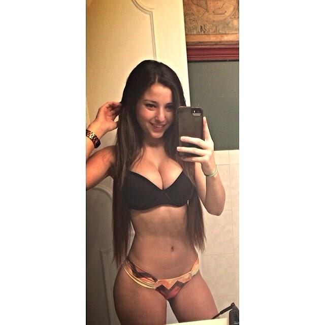 Novinha de 20 anos caiu na net em fotos amadoras
