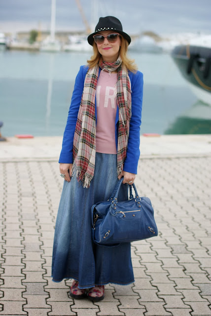 Maxi denim skirt, Balenciaga City blue, floral print Dr Martens, Fashion and Cookies, fashion blogger