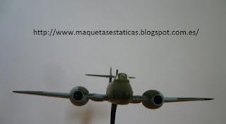 avión en miniatura marca Italeri a escala 1/100 Gloster Meteor