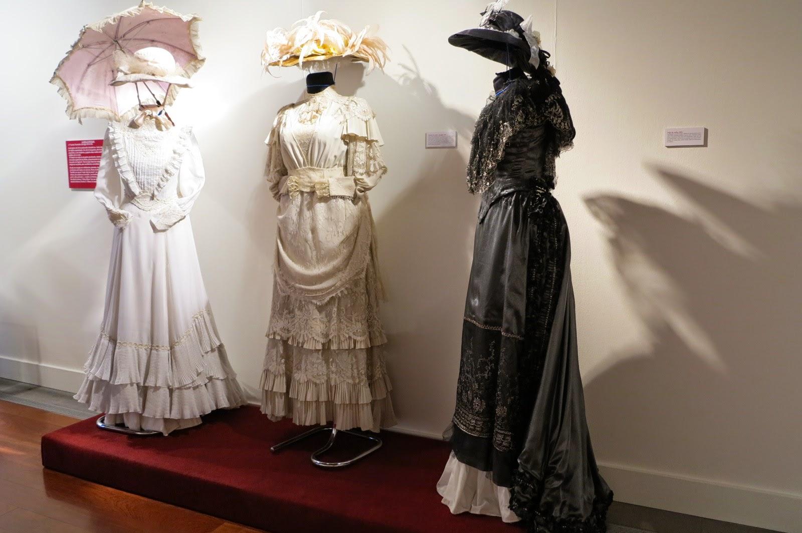 Cachivaches glam la moda en tiempos de gald s - Trajes de carnaval de epoca ...