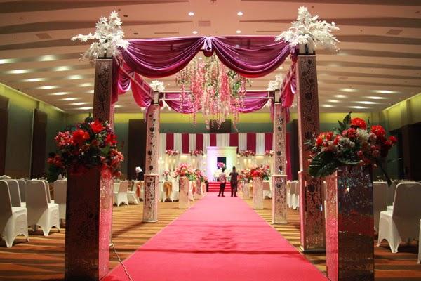 Putri ayu dekorasi rias pengantin resepsi di hotel for Dekorasi kamar pengantin di hotel