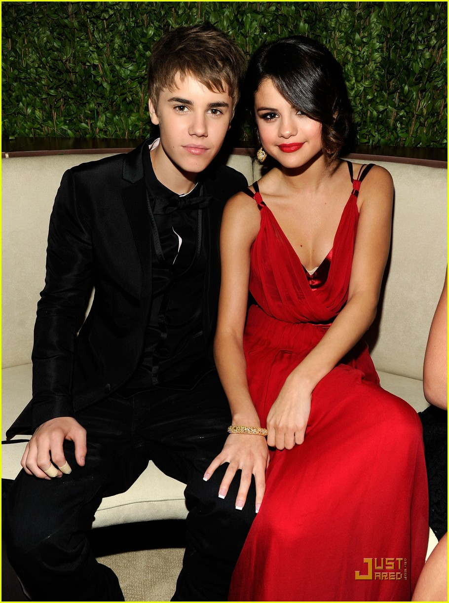 justin bieber with Selena Gomez 3