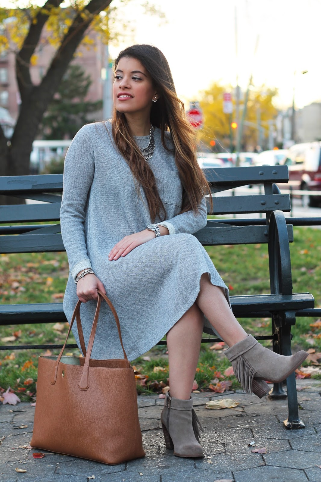 tory burch, shop the mint, the mint julep boutique, boutique, perry tote, tunic dress, guess, forever 21, fall, winter, style, woman, collab, booties, new york, new york blogger, shopthemint, gray, fall style, winter style, tunic dress, latina