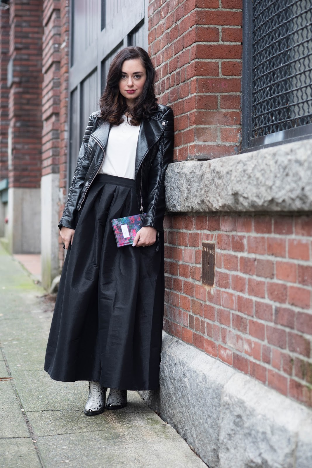 coco and vera top vancouver fashion blog h&m vegan leather jacket popbasic tee chic wish maxi skirt jeffrey campbell snakeskin boots