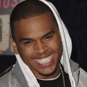 Chris Brown - Talk Ya Ear Off
