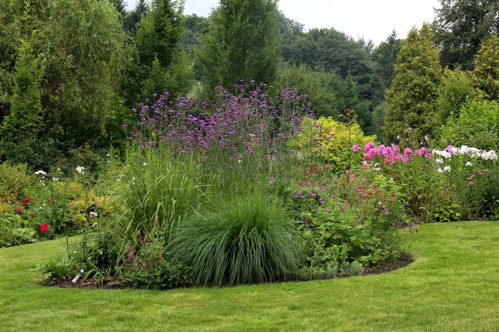 Comphoto de massif de jardin mobilier d coration for Massif deco jardin