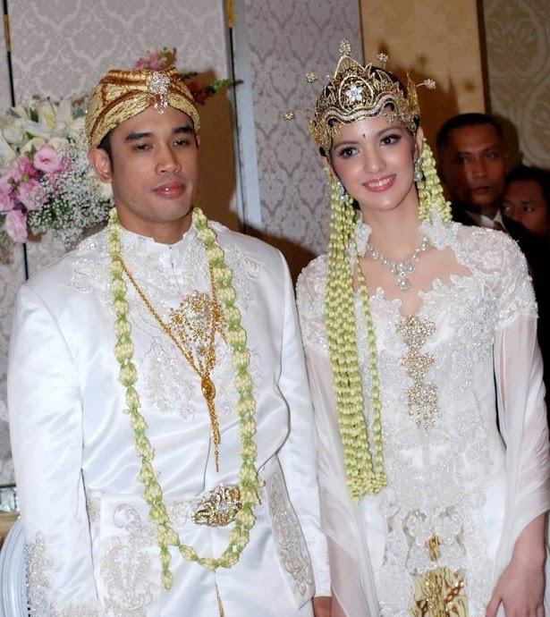 Baju Pernikahan Kebaya Modern Muslim Lidays Oo