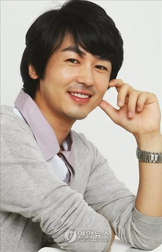 Jo Yun-Woo sebagai Hwang Woo Jin