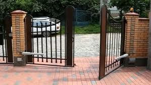 Автоматические распашные ворота. Фото 2
