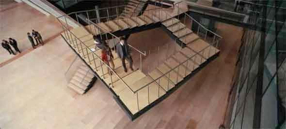 модель невозможной лестницы
