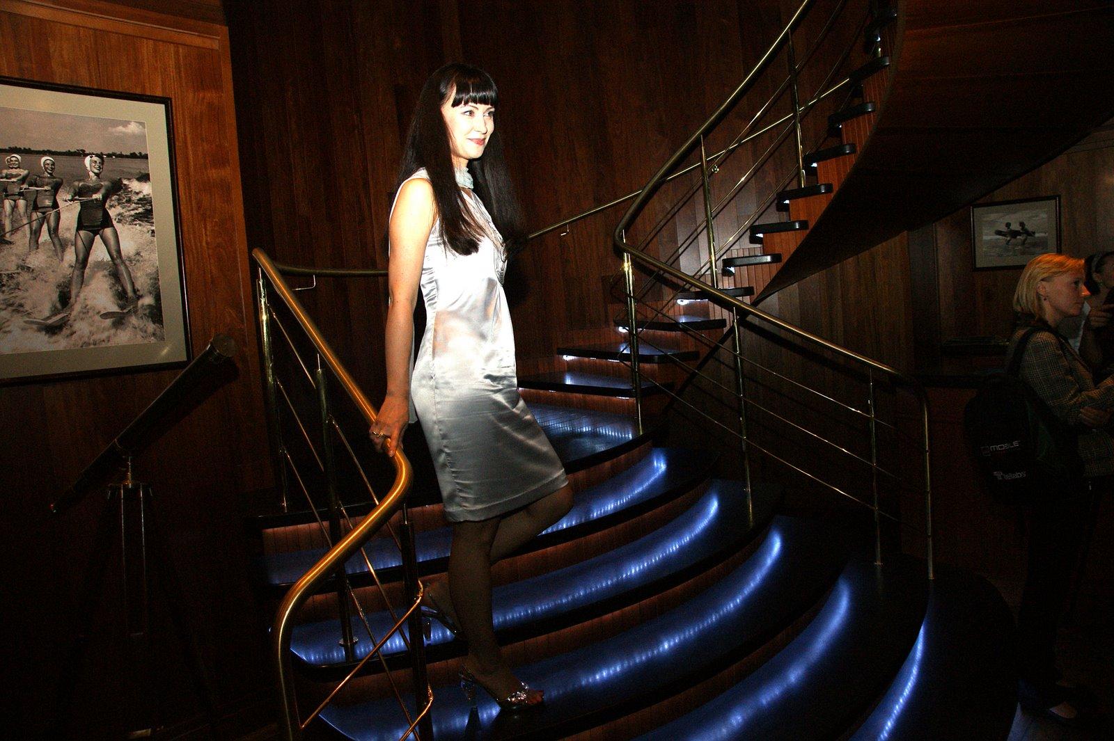http://4.bp.blogspot.com/-mIw16k1JWqY/TsbXE1LQ53I/AAAAAAAABe4/KRtWSSrjWI0/s1600/nonna+grishayeva+russian+actress+4.jpg