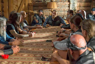 SONS OF ANARCHY Salvage -- Episode 606 -- Airs Tuesday, October 15, 10:00 pm e/p) -- Pictured: (center) Charlie Hunnam as Jackson 'Jax' Teller