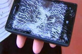 Nokia Lumia 520 Selamatkan Polisi Dari Peluru