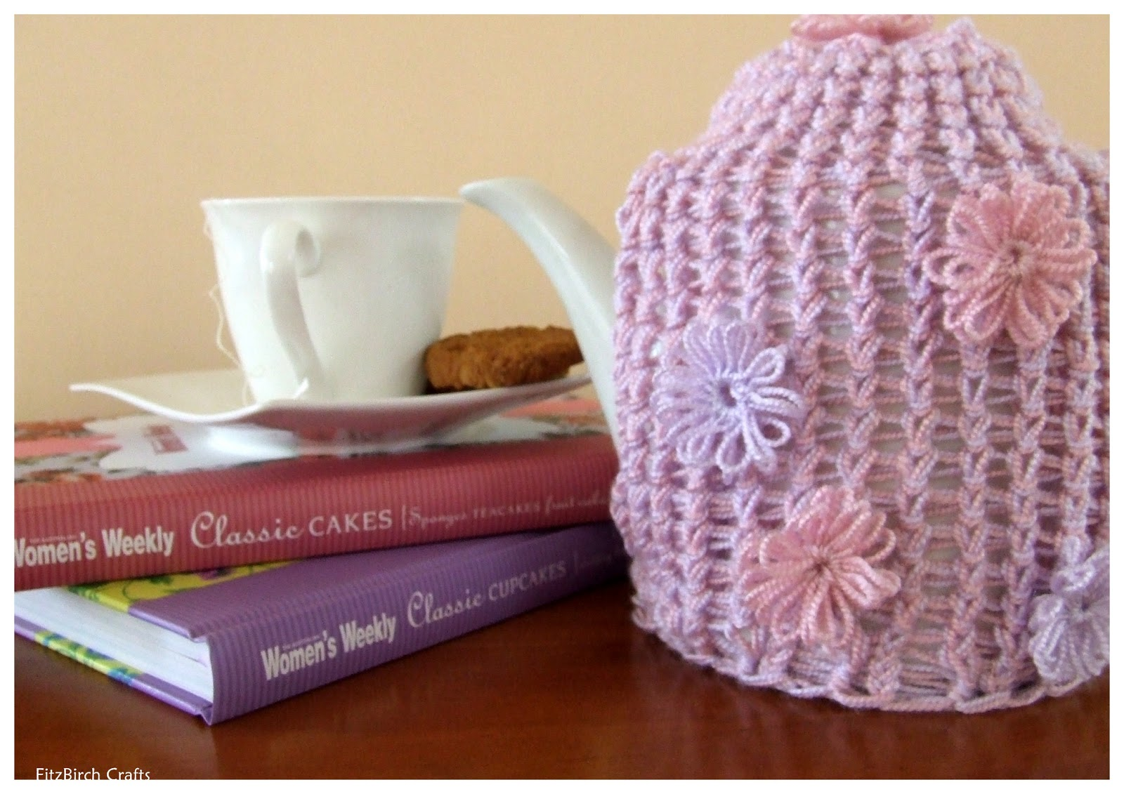 FitzBirch Crafts: Loom Knit Tea Cosy