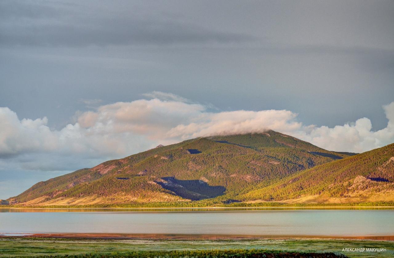 Малое Чебачье и гора Кокшетау.