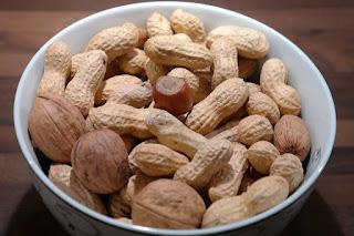 10 Manfaat Ajaib Kacang Tanah Bagi Kesehatan