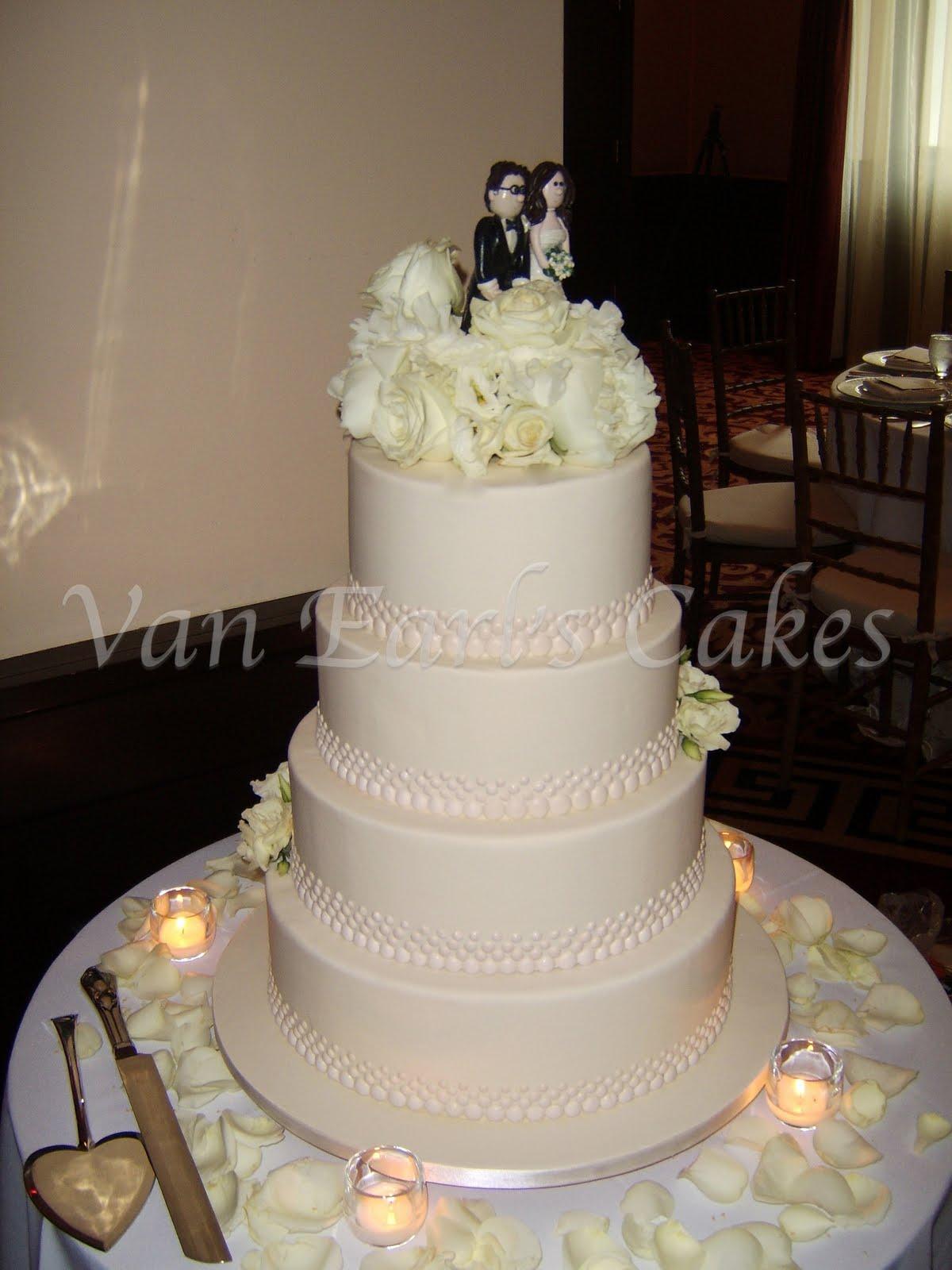 Van Earl s Cakes Elegant Ivory Beaded Wedding Cake