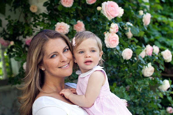 Princess Madeleine, Chris O'Neill, Princess Leonore And Prince Nicolas In New Photos