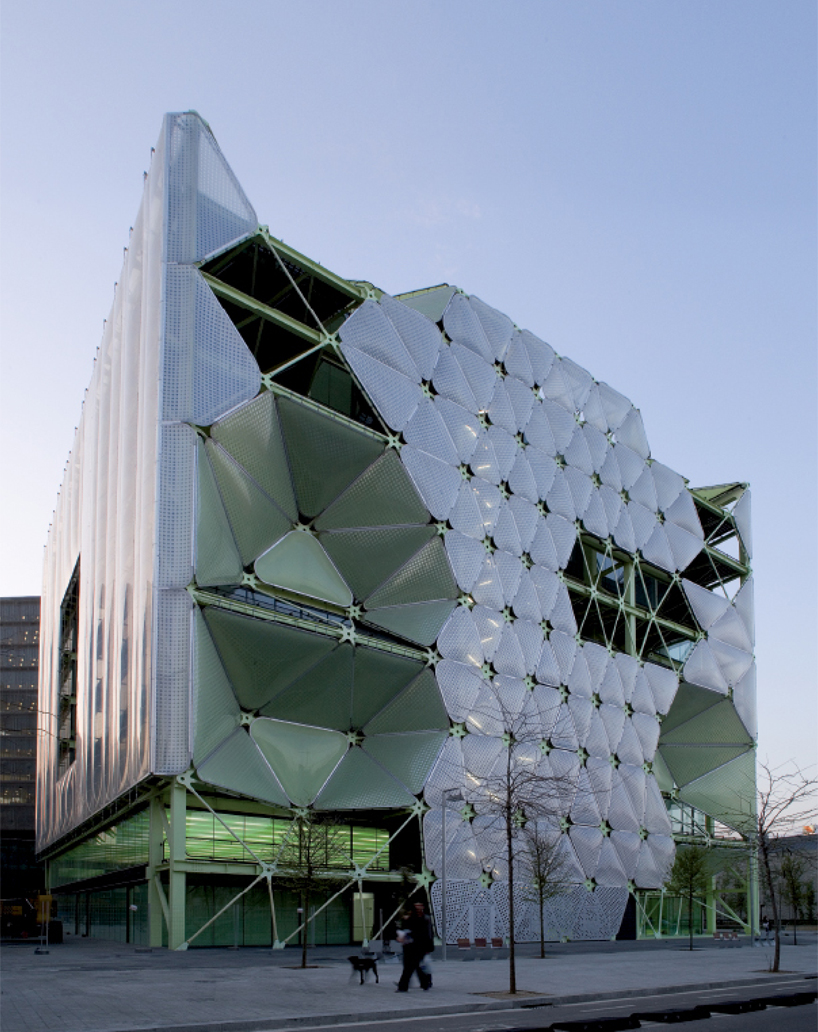 The style examiner media tic in barcelona wins world building of the year 2011 at world - World best archtech ...