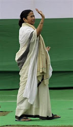 Mamata Banerjee assuring peace to Bengal 's peoples!!
