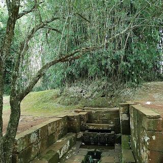 Fonte Missioneira, em meio à mata - São Miguel das Missões.