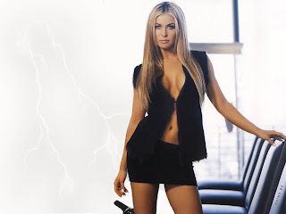 Sexiest Hollywood Celebrity Carmen Electra Hot Pictures