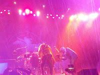 Regen beim letzten Crazy Horse Konzert in Australien