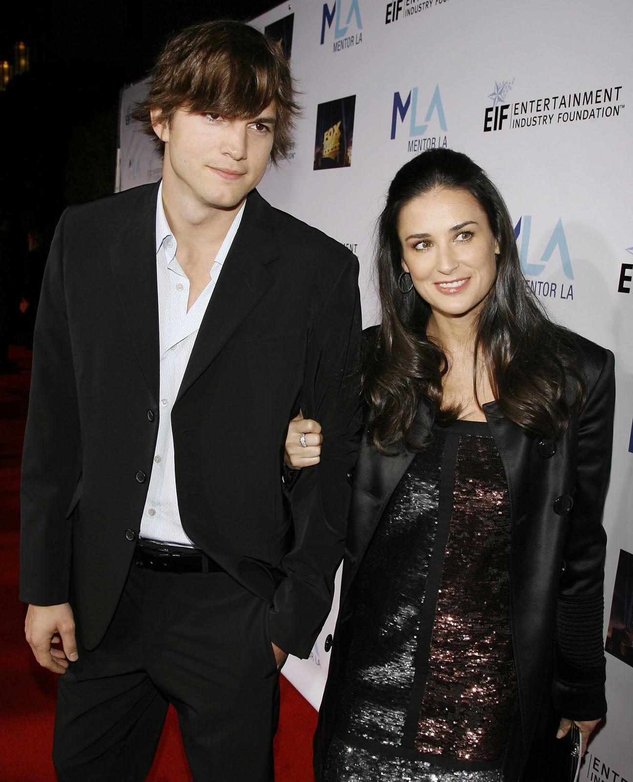 http://4.bp.blogspot.com/-mLIK7hK5JQo/TqsUNbV1VCI/AAAAAAAAAzo/M2TIc-62gfc/s1600/Ashton+Kutcher%2527s+Mistress+Sara+Leal+Topless+Photos+Leaked+www.blogywoodbabes.blogspot.com+041.jpg