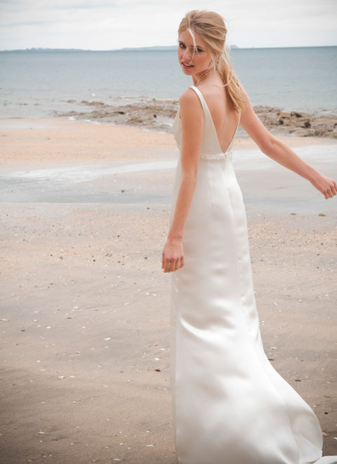 Dress To Surprise To Choose A Perfect Beach Wedding Dress